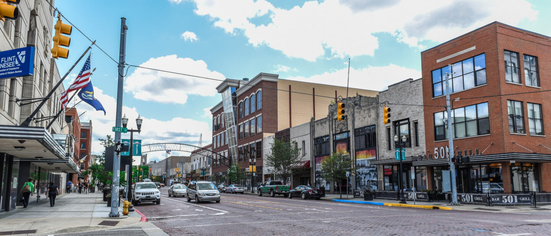 Flint downtown looking south on saginaw 2015 doug pike
